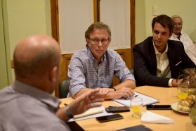 El gobierno y productores acuerdan diseñar un plan de desarrollo citricota