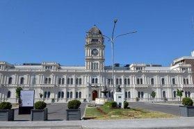 Numerosos organismos adhirieron al decreto de recorte salarial de funcionarios políticos