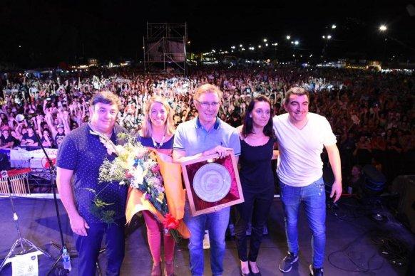 La vicegobernadora participó de la Fiesta de la Playa y destacó el éxito de la convocatoria