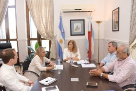 Coordinan acciones para ejecutar programas en Juntas de Gobierno y Comunas