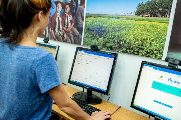 El titular del Instituto Becario aseguró que el sistema online de becas aporta transparencia