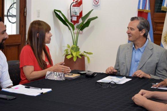 La provincia suscribió con el municipio de Paraná convenios del Programa Paces