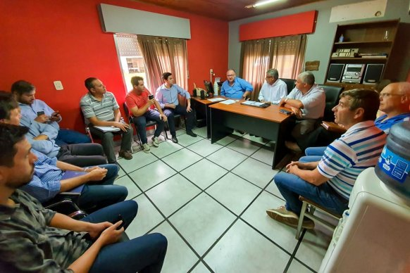 Firman convenios para ejecutar trabajos viales en el departamento Colón