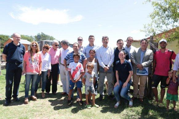 Se entregaron kits para instalación eléctrica domiciliaria a familias de barrios de Concepción del Uruguay
