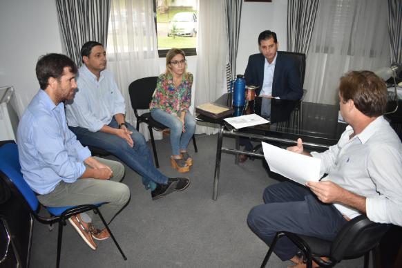 Cafesg hará el proyecto para el estadio deportivo municipal de Los Charrúas