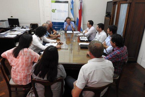 La provincia analizó con el sector tambero la actualidad de la cadena productiva lechera