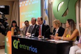 Acompañados por Teresa Parodi, Bordet y Bahl presentaron la Fiesta del Mate en Buenos Aires
