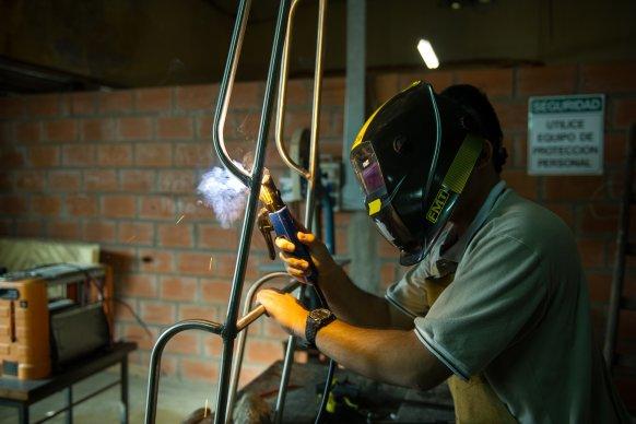 Son 14 las escuelas técnicas entrerrianas que fabrican materiales de protección frente al Coronavirus