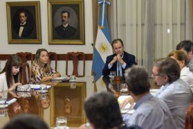 El gobierno provincial trabaja en políticas de acompañamiento a los sectores afectados por la cuarentena