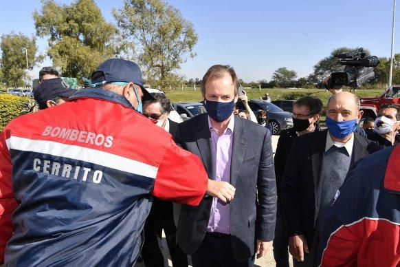 El gobierno entregó aportes a bomberos voluntarios de toda la provincia
