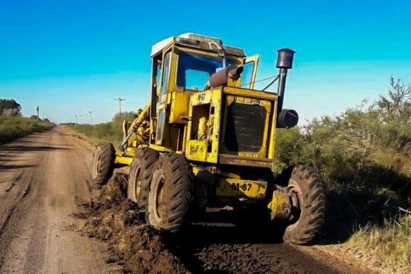 Trabajan en el mantenimiento de la red vial del departamento San Salvador