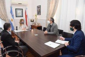 El Ministerio de Gobierno y la UADER firman convenio para pasantías