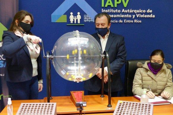 Otras 20 familias tendrán vivienda propia en  dos localidades entrerrianas
