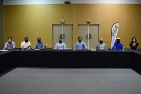 Provincia y municipio de Concordia articulan acciones con pescadores para atender las demandas del sector