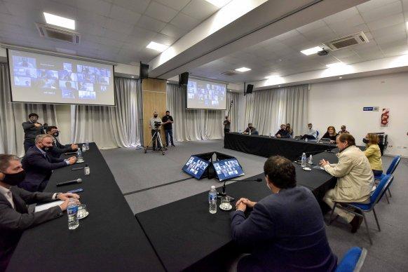 Bordet trabajó una agenda abierta con intendentes de Cambiemos