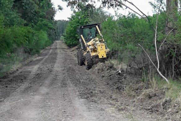 El gobierno continúa el mantenimiento de la red caminera del departamento Federación
