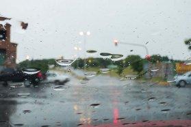 Recomiendan circular con precaución ante la presencia de lluvias en algunos departamentos de la provincia