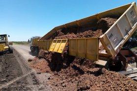 Trabajan en la recuperación de tramos de la ruta provincial 20