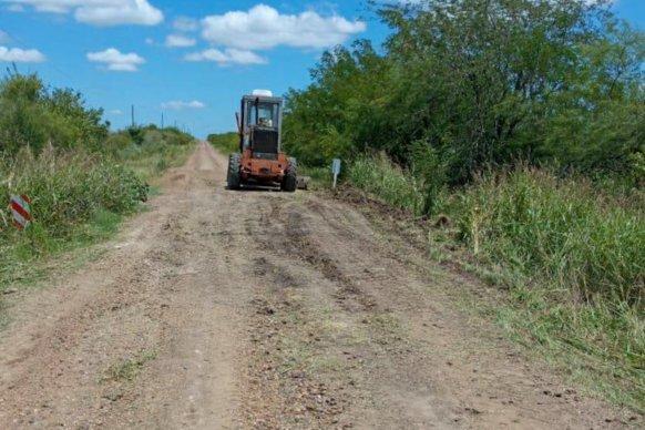 Vialidad ejecuta tareas de conservación sobre caminos rurales del departamento Concordia