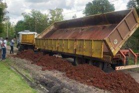 Trabajan en la conservación de caminos productivos de los departamentos Paraná y La Paz