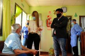 En el 80 por ciento de las residencias geriátricas ya se vacunó contra el covid 19