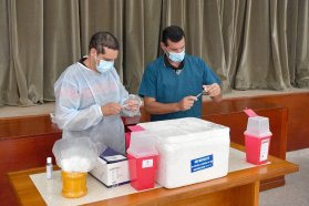 El gobierno destaca la marcha del plan de vacunación e instan a sostener las medidas de prevención