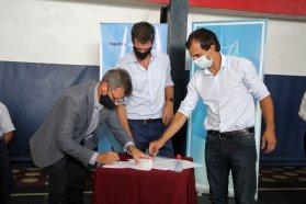 Se firmaron nuevos convenios en el marco del plan de obras de agua y saneamiento provincial