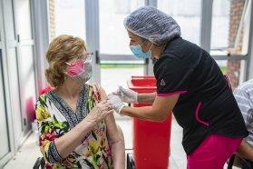 Se aplicaron cerca de 15.000 dosis de vacunas Covid-19 en la última semana