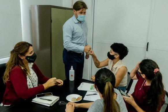 El equipo móvil del Becario inscribió a estudiantes en 12 localidades para otorgar becas