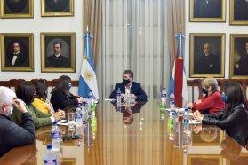 El gobierno provincial dialoga con UPCN y ATE previo a paritarias