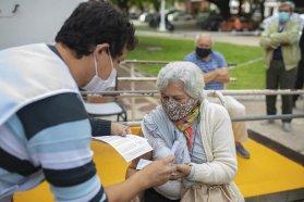 Este miércoles se vacunará contra el Covid a mayores de 80 años sin turno previo en Paraná