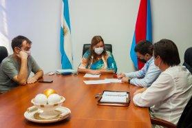 Firman convenio para la ampliación de trabajos en obra de rehabilitación del acceso a Maciá