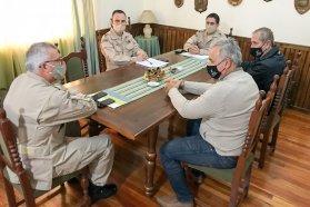Se planifican acciones para retirar un buque hundido frente a un muelle del puerto de Concepción del Uruguay