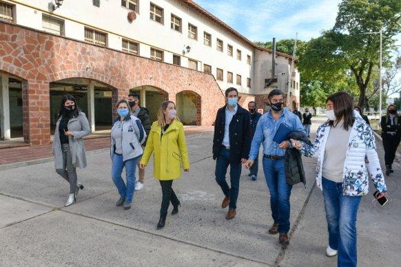 Stratta entregó aportes al Complejo Escuela Hogar Eva Perón
