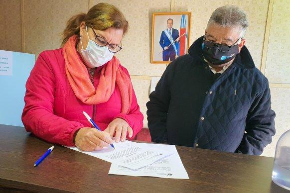 Firmaron el acta de inicio para pavimentar el acceso a Ingeniero Sajaroff, departamento Villaguay