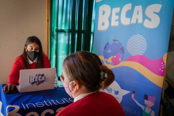 El Becario generó becas con su equipo móvil en la zona rural del departamento Victoria