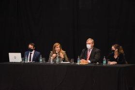 El gobierno acompañó la presentación de la Ley de las Colectividades