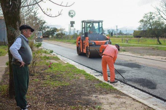 Comenzó la pavimentación de la planta urbana de Irazusta en el departamento Gualeguaychú