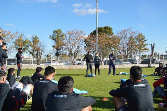 El gobierno capacitó en RCP al plantel profesional del Club Patronato