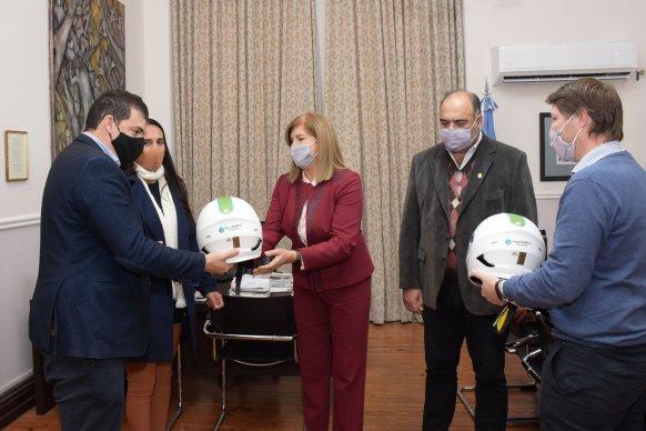 El gobierno entregó cascos homologados a la Municipalidad de Nogoyá