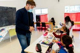 El Becario asiste con apoyo escolar a niños y niñas en 27 centros de la ciudad de Paraná