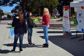 Turismo promociona sus principales propuestas en la Peatonal de Paraná