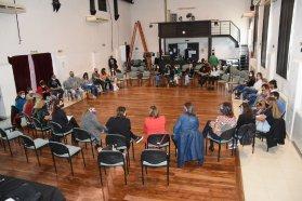 Organizaciones de la comunidad y del Estado debaten en la provincia sobre las políticas de cuidados