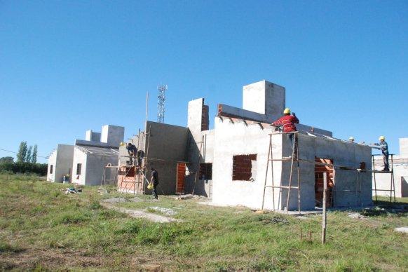 En dos localidades se construyen viviendas con fondos provinciales