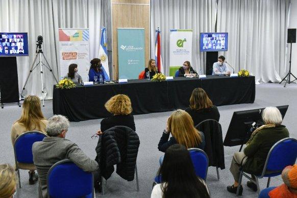 Nación y provincia compartieron aportes en materia de políticas del cuidado surgidos del trabajo colectivo territorial