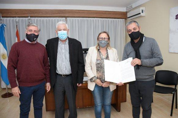 La provincia entregó aportes a emprendedores de Urdinarrain y Pueblo General Belgrano