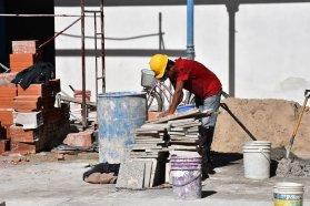 La provincia firmó los contratos para obras en cuatro escuelas entrerrianas
