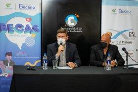El Becario expuso su nuevo programa Puente al Trabajo en Colonia Avellaneda
