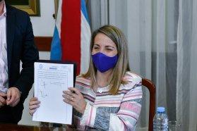 Se firmaron los contratos para obras en Victoria y Gualeguay
