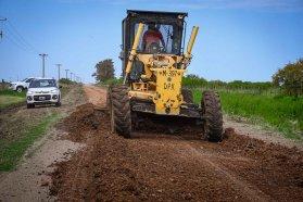 Reponen ripio en caminos de la zona de Colonia Baylina en el departamento San Salvador